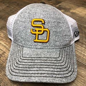 San Diego Padres Mesh SnapBack Baseball Cap Gray
